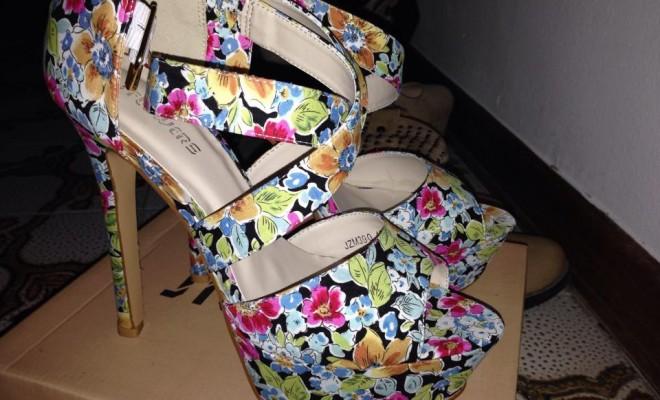 sandali a fiori